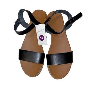Universal Thread NWT Ankle Strap Sandals